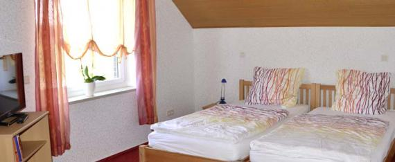 Am Wiesenhof Ferienwohnung Wiesenblick Zimmer3