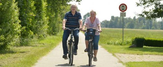 Ehepaar Möhrer genießt den Urlaub auf unserem Wiesenhof