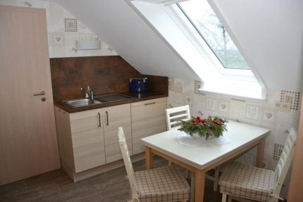 hell und freundlicher Essbereich in der Küche