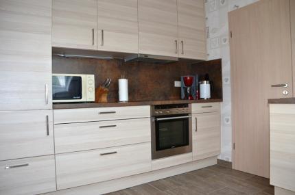 moderne gemeinschaftlich genutzte Küche